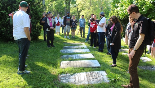 King's Alumni take historical sites tour