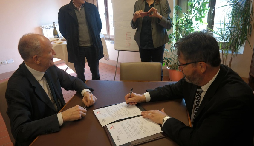 King's signs partnership agreement with peace and conflict education centre in Tuscany