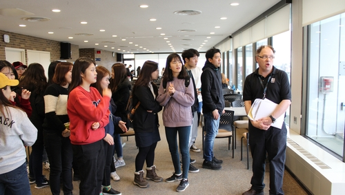 Korean Students Visit King's