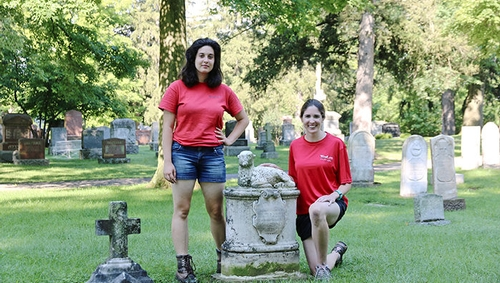 King's Thanatology graduate helps restore tombstones