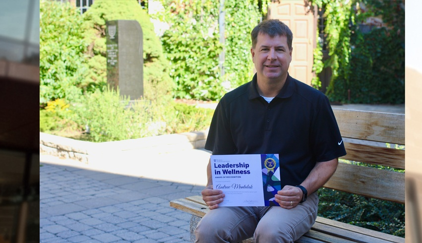 Dr. Andrew Mantulak receives Leadership in Wellness Award